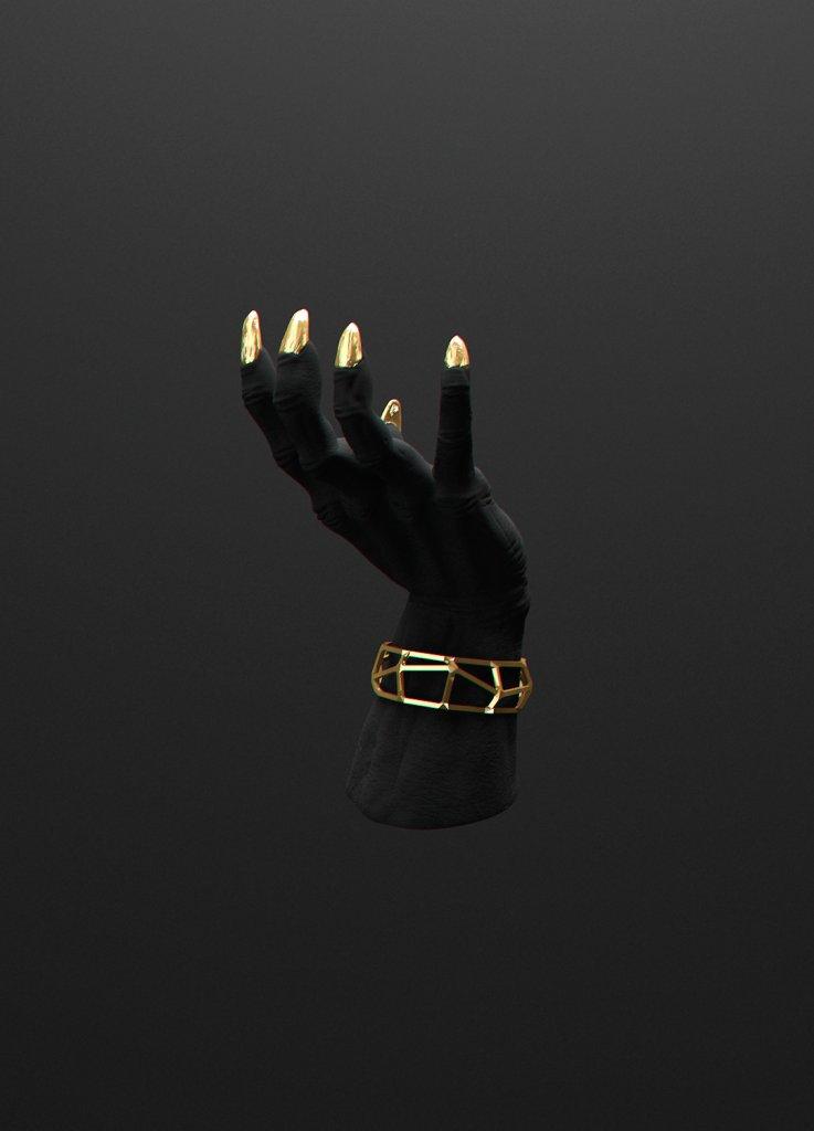 Рука с золотом