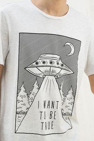 Черно-белый дизайн футболки