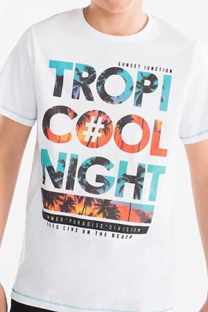 Типографика на футболке
