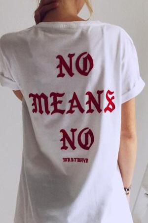 Дизайн футболки сзади