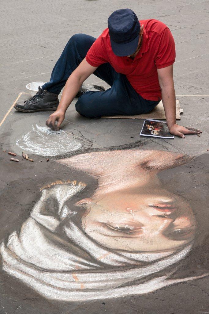копия картины возрождения мелом на асфальте