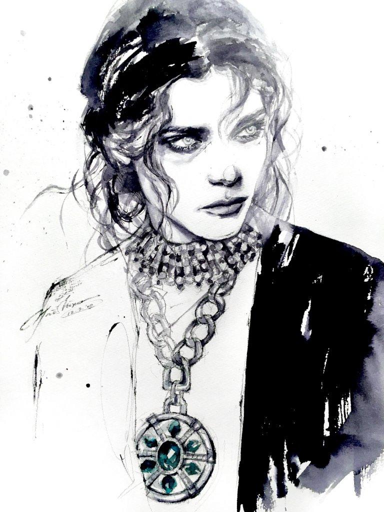 портрет женщины с колье на шее